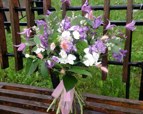 Летний букет с садовыми цветами