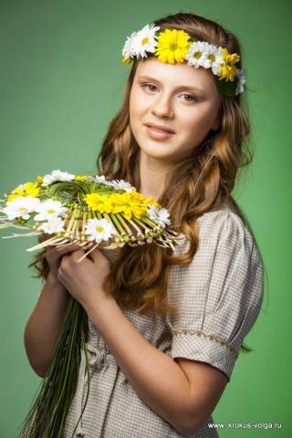 Арина и хризантема.