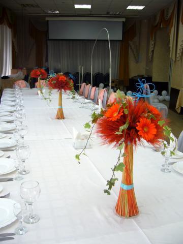 Оранжевая свадьба.Композиции на столах гостей