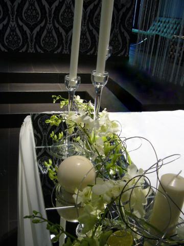 Фрагмент оформления стола молодожёнов
